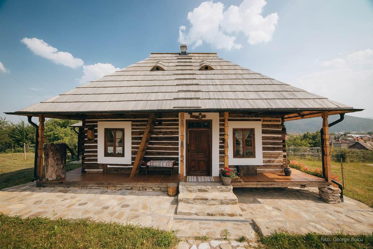 case traditionale la roata gura humorului