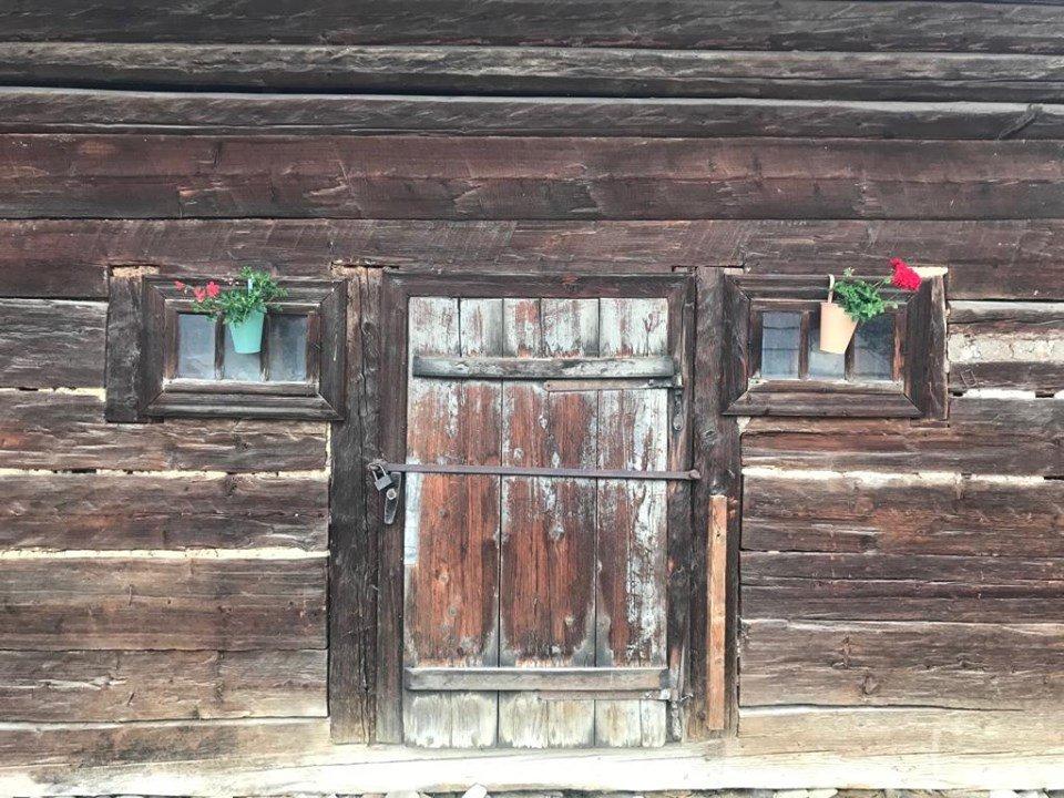 casa strabunicului bucovina