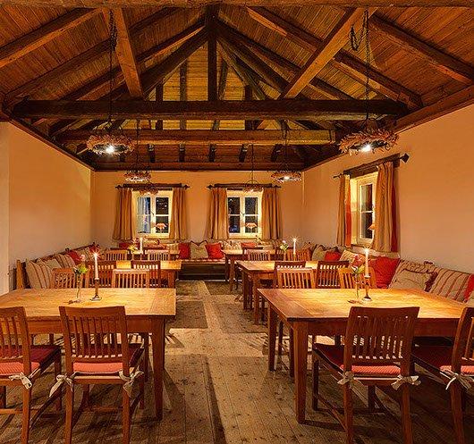 restaurant conacul grigorescu terra carpatica