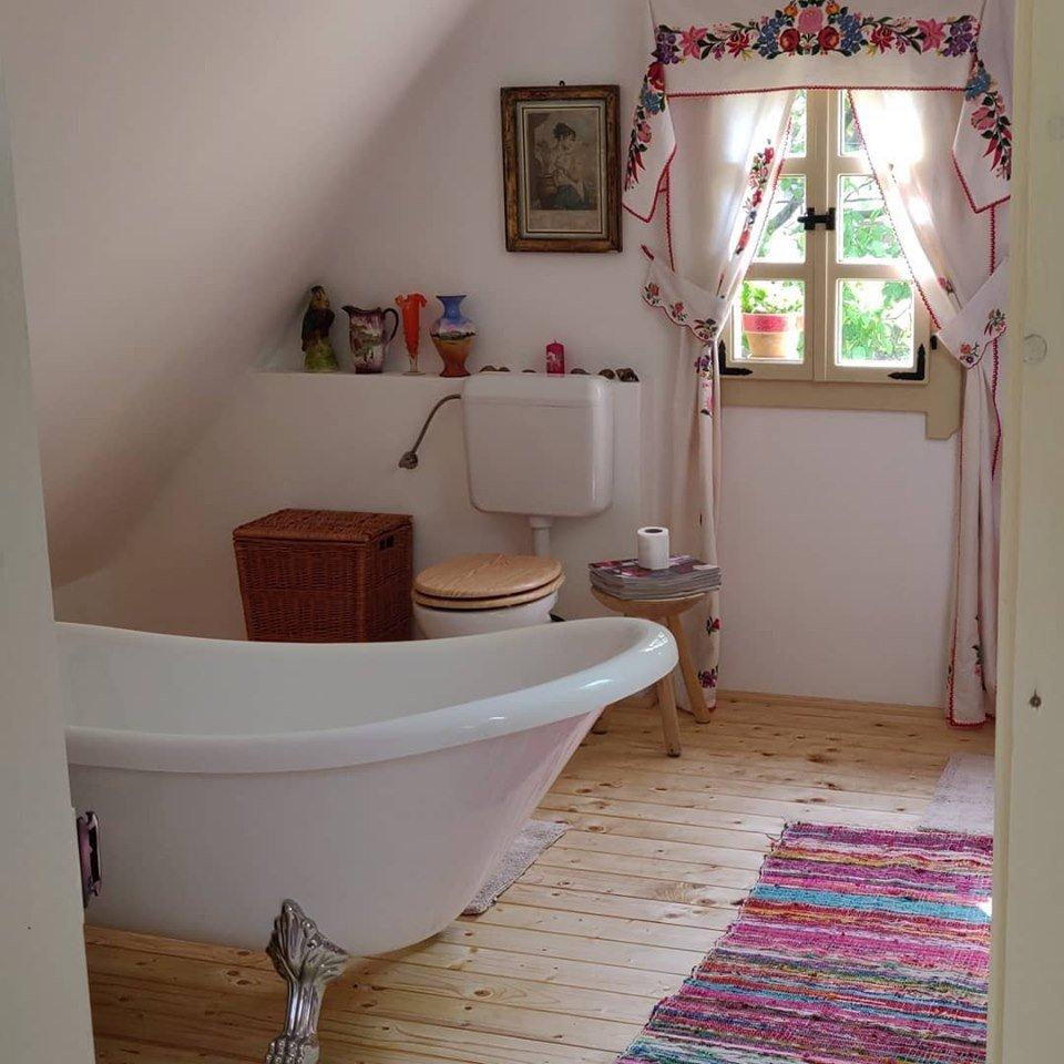 the magic cottage praid