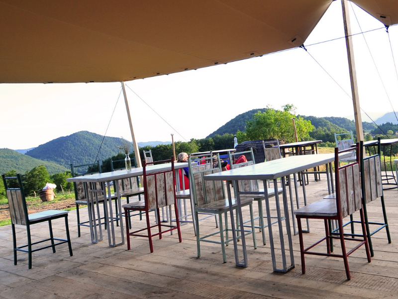 restaurant ursa mica glamping resort