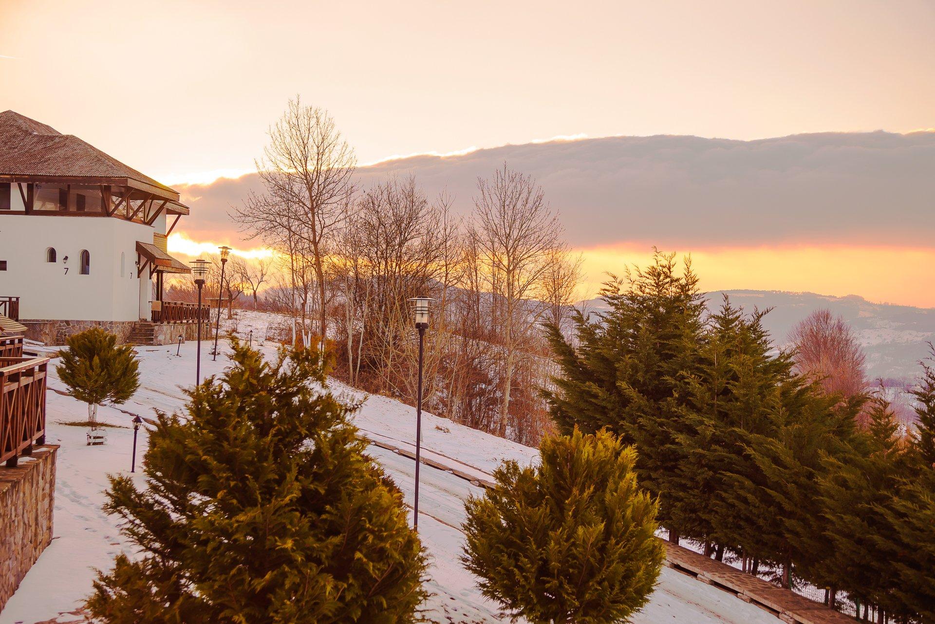 vacanta iarna satul prunilor pietrosita