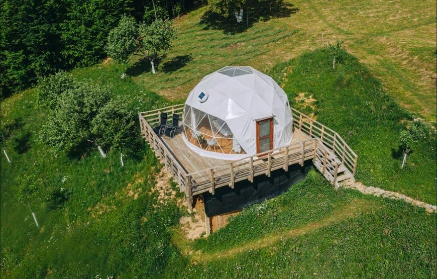 Valea Vinului Dome, glamping in Maramures