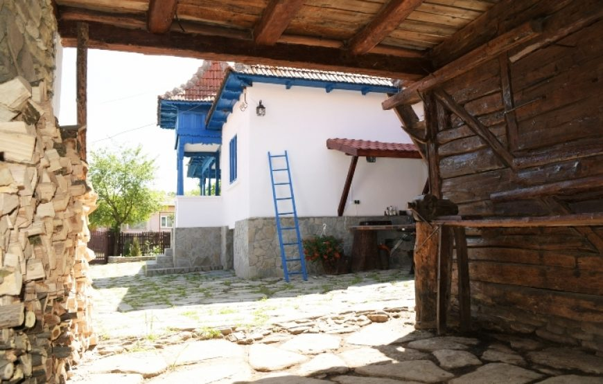 cazare case traditionale muntenia