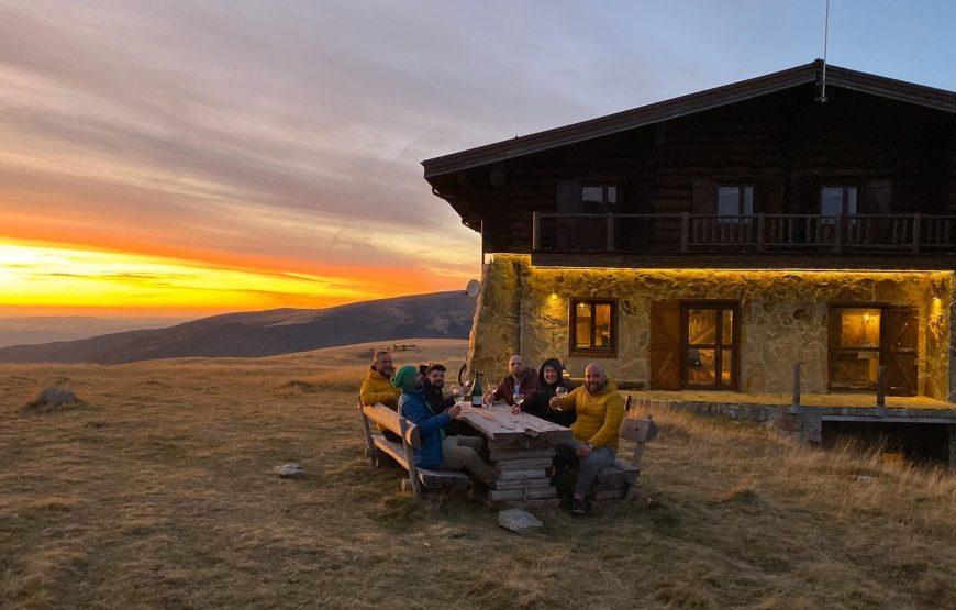 top cazari muntii tarcu