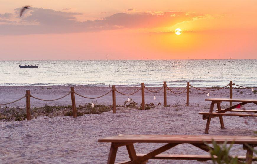 cazare cu restaurant pe plaja