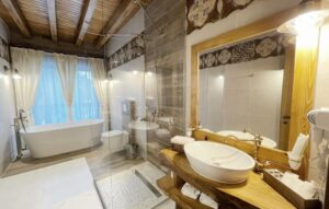 casa baciu baie