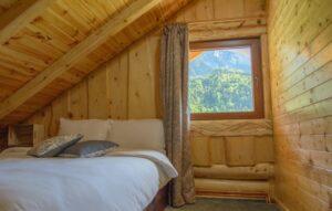 dormitor king's rock cabin